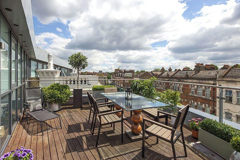 1 Bedroom Penthouse Flat for sale in Metropolitan Court, High Road, Willesden Green, London, NW10
