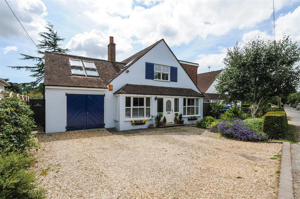 4 Bedrooms Detached House for sale in Avisford Park Road, Walberton
