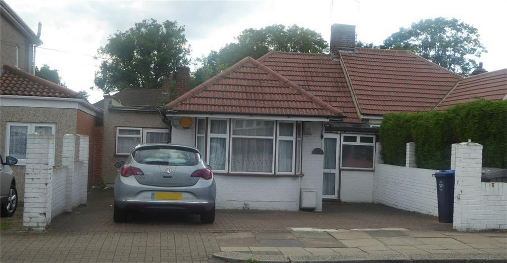 3 Bedrooms Semi Detached Bungalow for sale in Chaplin Road, Wembley, Greater London