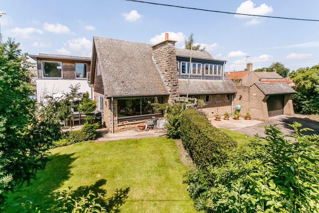 5 Bedrooms Detached House for sale in Main Street, Scothern, Lincoln, Lincolnshire, LN2