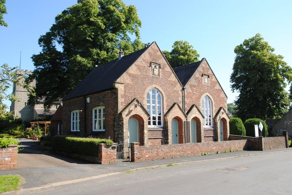 4 Bedrooms Detached House for sale in Church Street, Scawby, North Lincolnshire