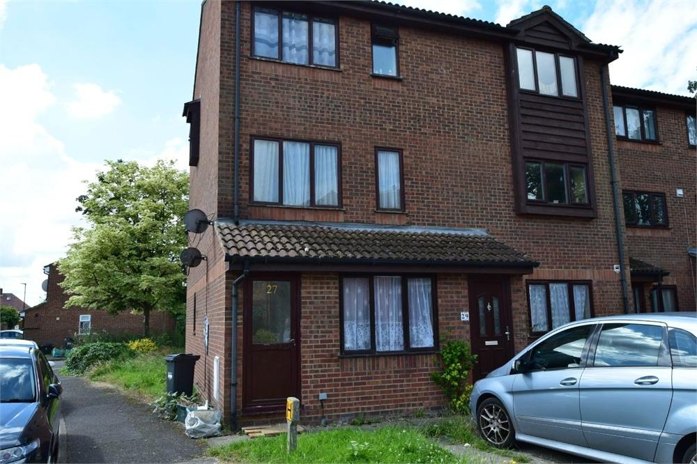 1 Bedroom Flat for sale in Barnes Avenue, Southall, Middlesex