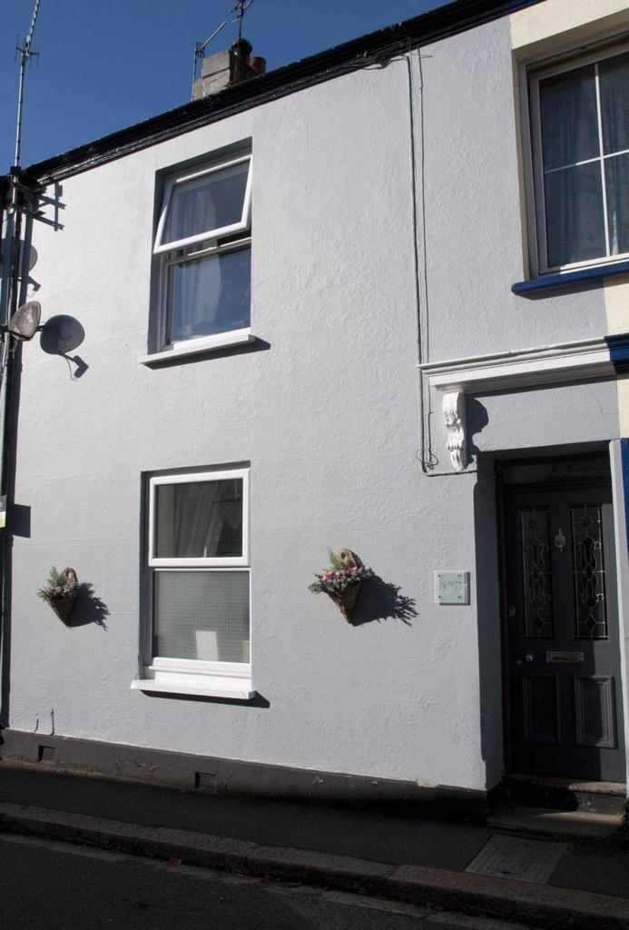 2 Bedrooms Terraced House for sale in New Street, Millbrook