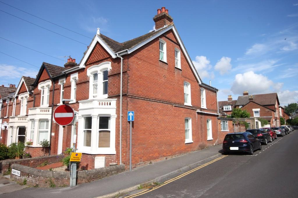 4 Bedrooms End Of Terrace House for sale in ALBANY ROAD, SALISBURY, WILTSHIRE