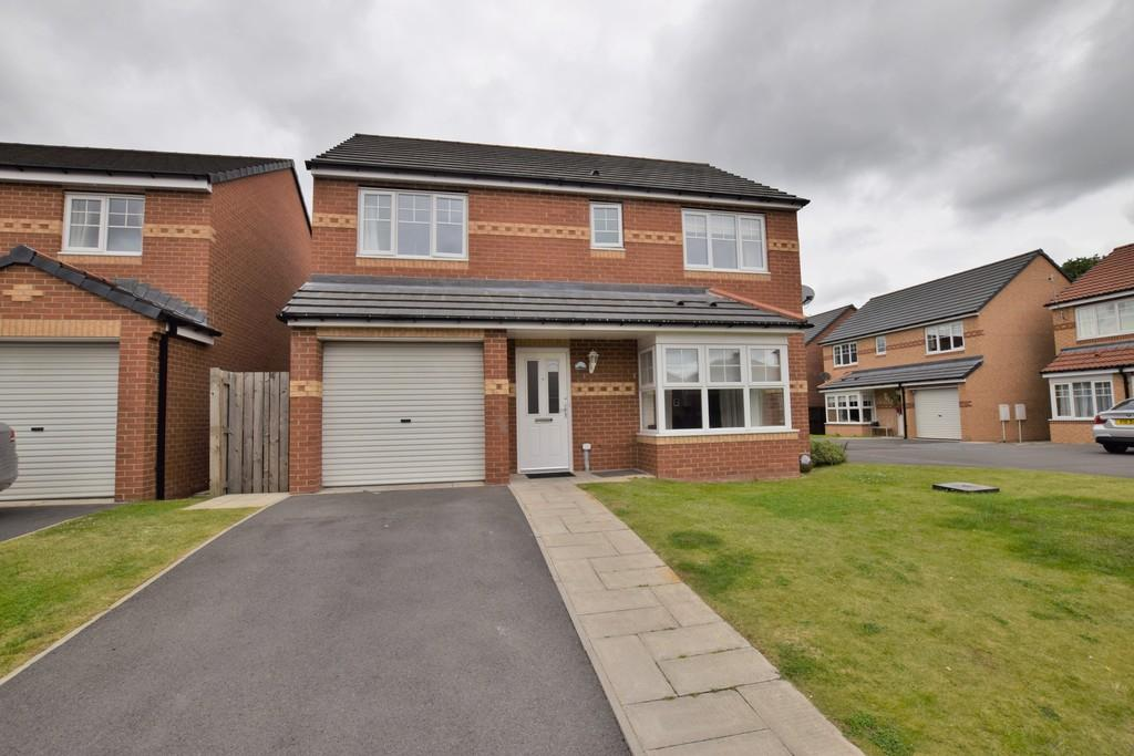 4 Bedrooms Detached House for sale in Cloverhill Court, Craghead, Stanley