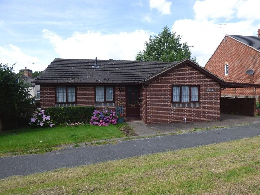 2 Bedrooms Detached Bungalow for sale in Ferry Street, Stapenhill