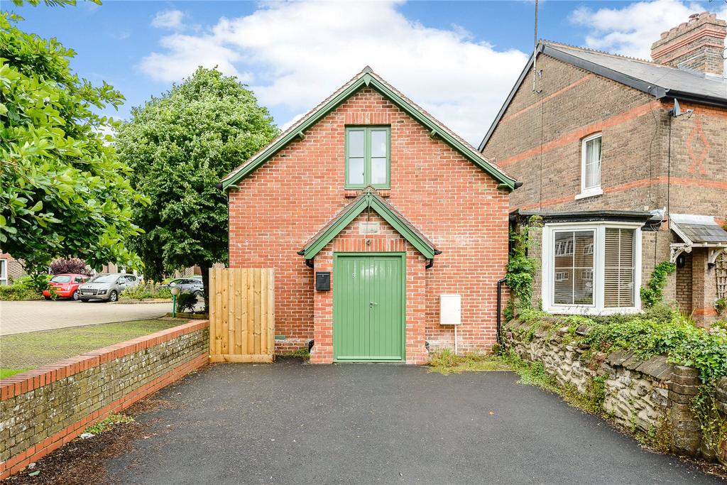 2 Bedrooms Detached House for sale in London Road, Dorchester, Dorset