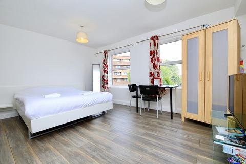 Studio to rent - Salmon Lane, London, E14