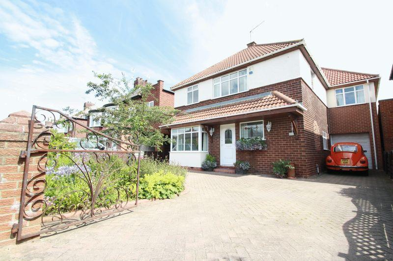 4 Bedrooms Detached House for sale in Fairfield Road, Fairfield, Stockton, TS19 7AL