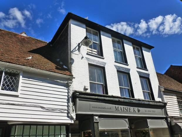 3 Bedrooms Maisonette Flat for sale in Stone Street, Cranbrook, Kent TN17 3HF