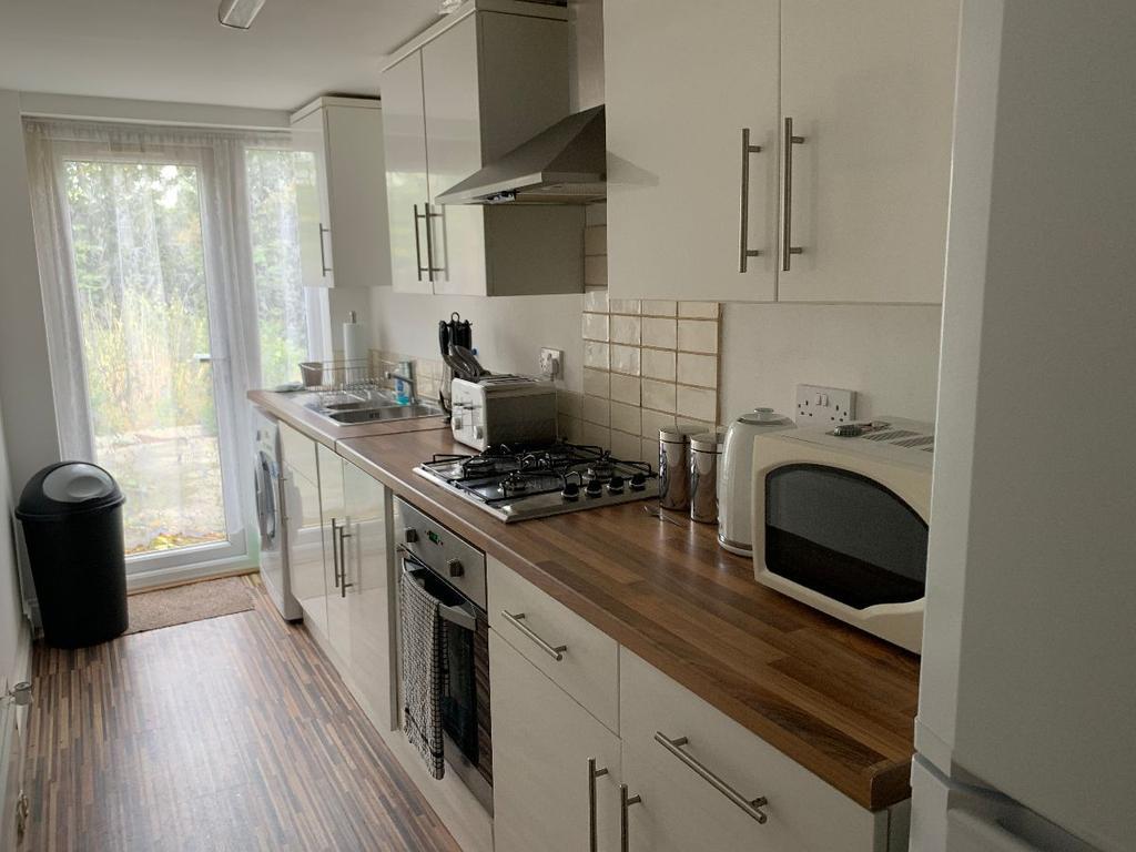Gillingham Road 3 Bed Semi Detached House For Sale 163 220 000