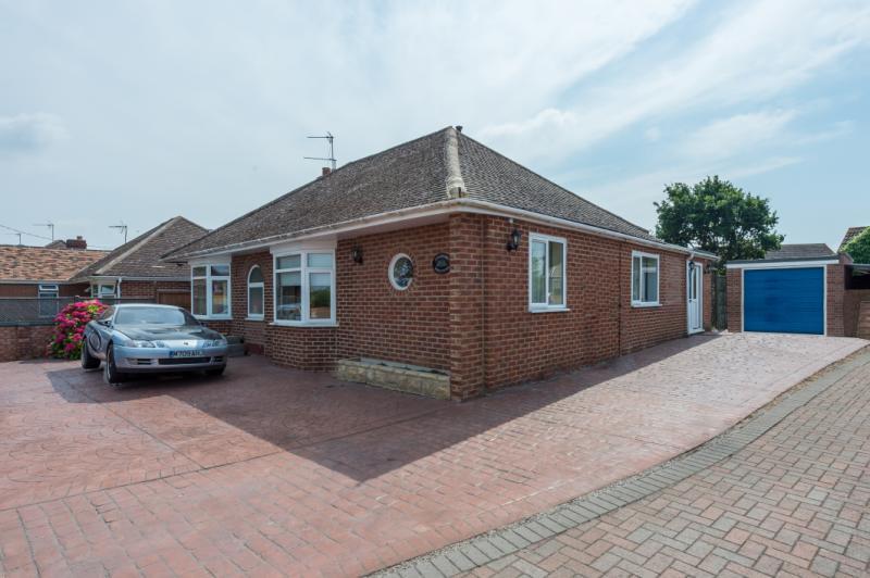 3 Bedrooms Detached Bungalow for sale in Milton Road, Sutton Courtenay, Abingdon