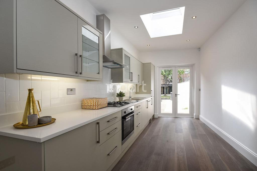 3 Bedrooms End Of Terrace House for sale in Holmewood Gardens, Brixton, SW2