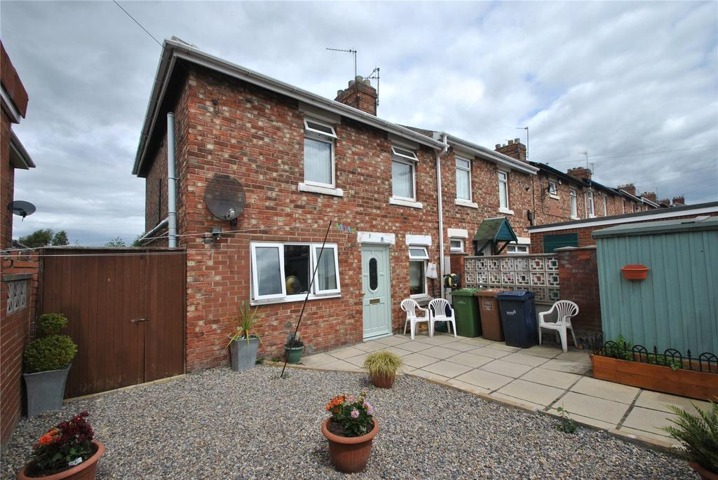 3 Bedrooms Semi Detached House for sale in Burns Avenue North, Houghton le Spring, Tyne and Wear, DH5
