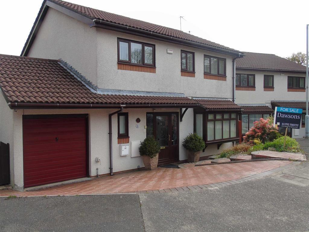 4 Bedrooms Detached House for sale in Bryn Derw Gardens, Morriston, Swansea