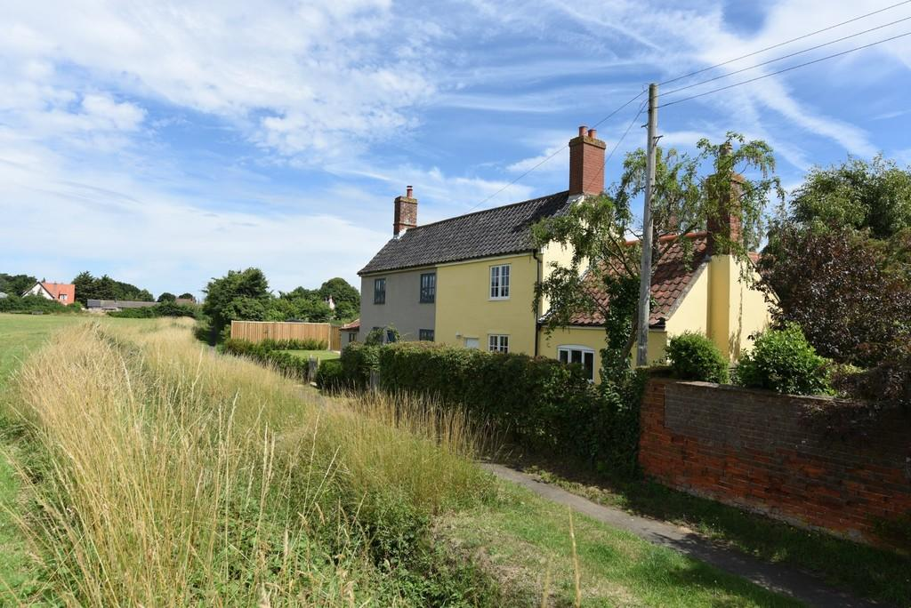 3 Bedrooms Semi Detached House for sale in Friston, Nr Snape, Suffolk