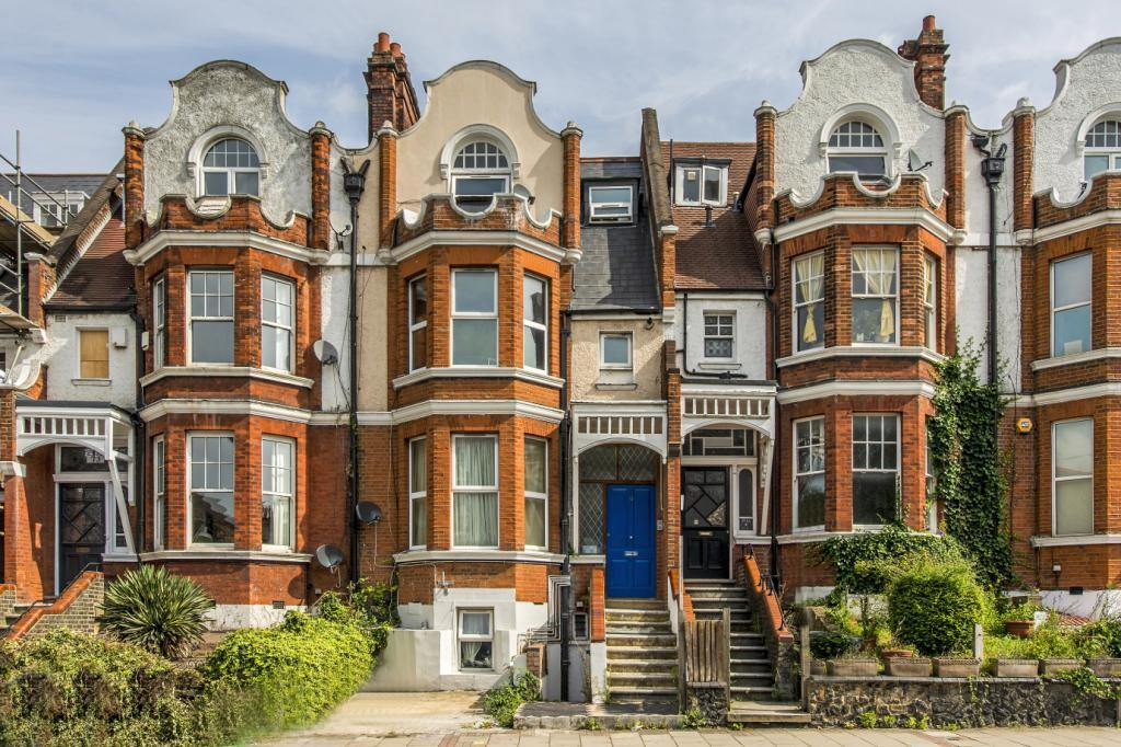 2 Bedrooms Flat for sale in Thurlow Park Road, London, SE21
