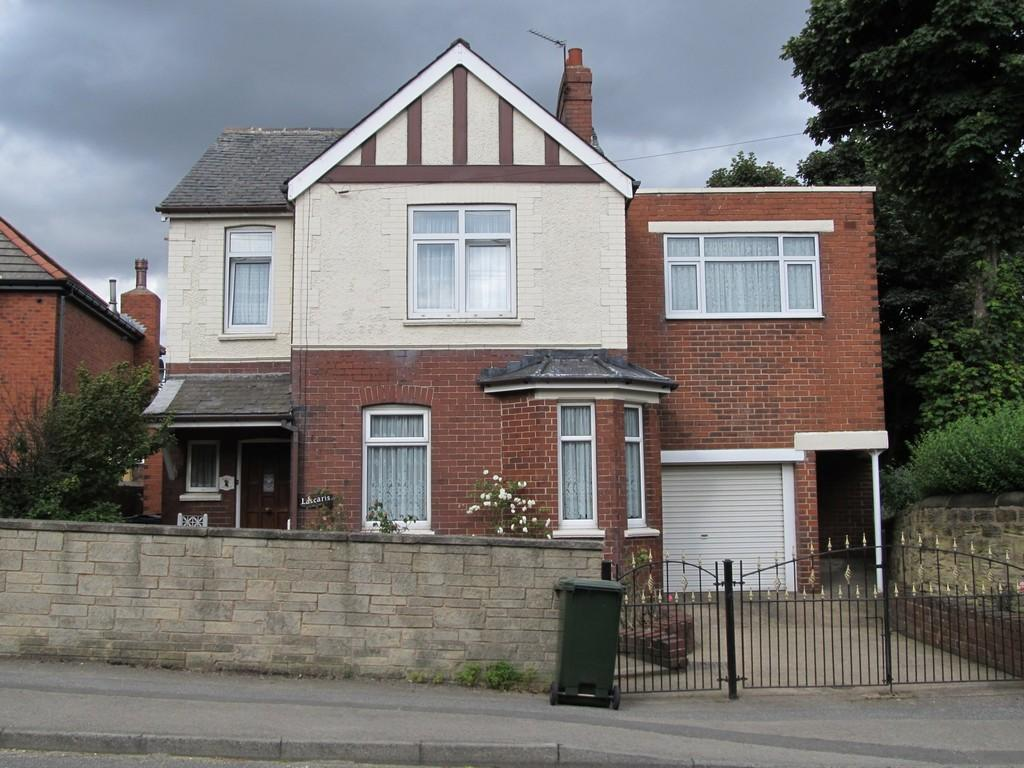 5 Bedrooms Detached House for sale in Cross Street, Barnsley S71