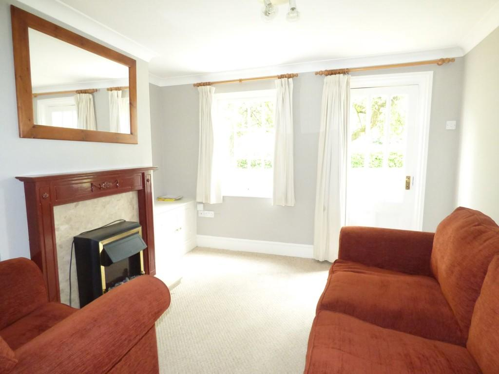 2 Bedrooms Terraced House for sale in Victoria Cottages, Shipston Road, Stratford-Upon-Avon