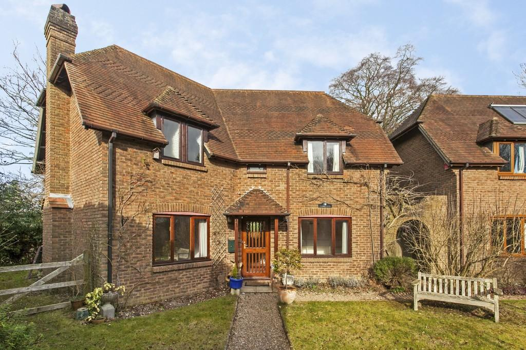 4 Bedrooms Detached House for sale in Old Station Road, Itchen Abbas, SO21