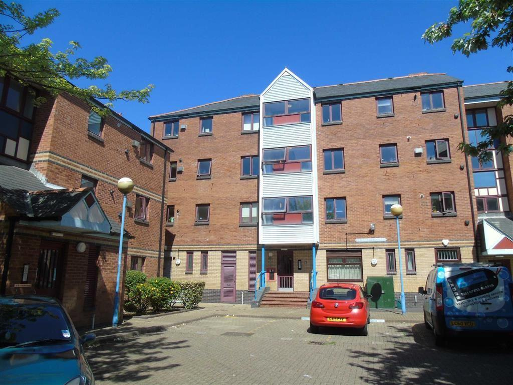 2 Bedrooms Apartment Flat for sale in Abernethy Square, Marina, Swansea