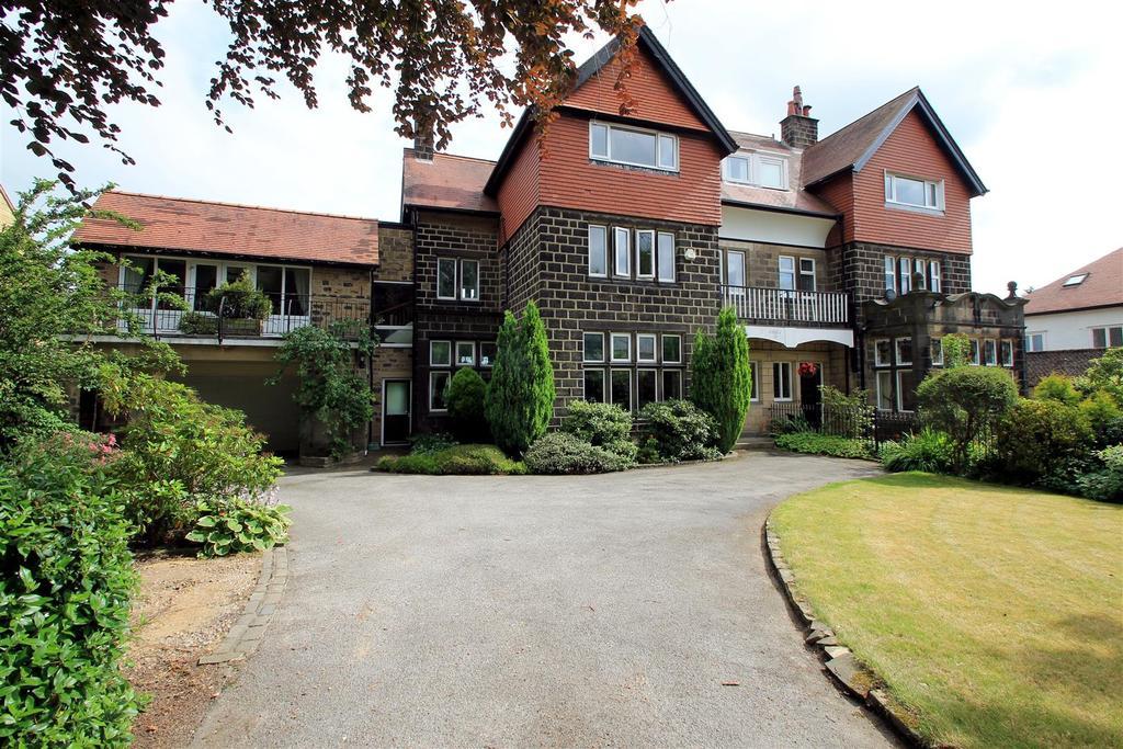 6 Bedrooms Semi Detached House for sale in Victoria Avenue, Menston, LS29 6