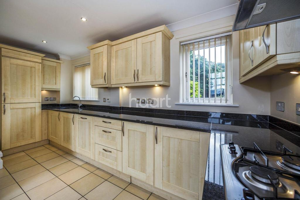 3 Bedrooms End Of Terrace House for sale in Sandling Place Court, Maidstone