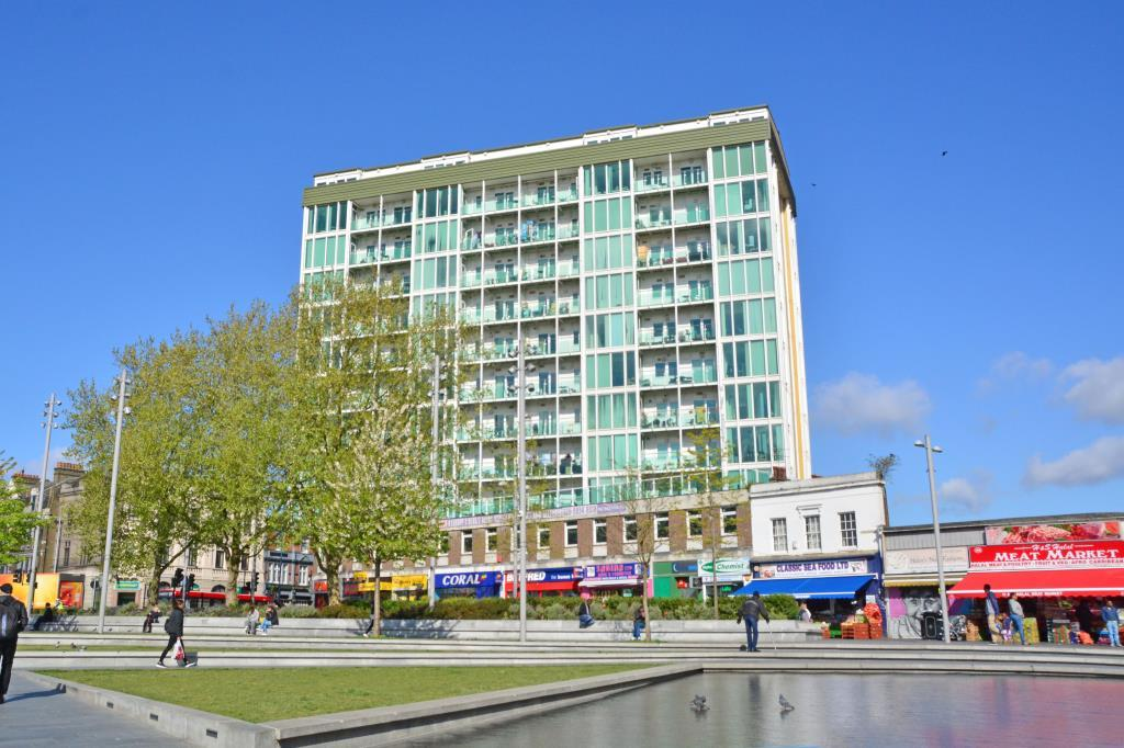 2 Bedrooms Flat for sale in Maritime House, Greens End, Woolwich, London, SE18