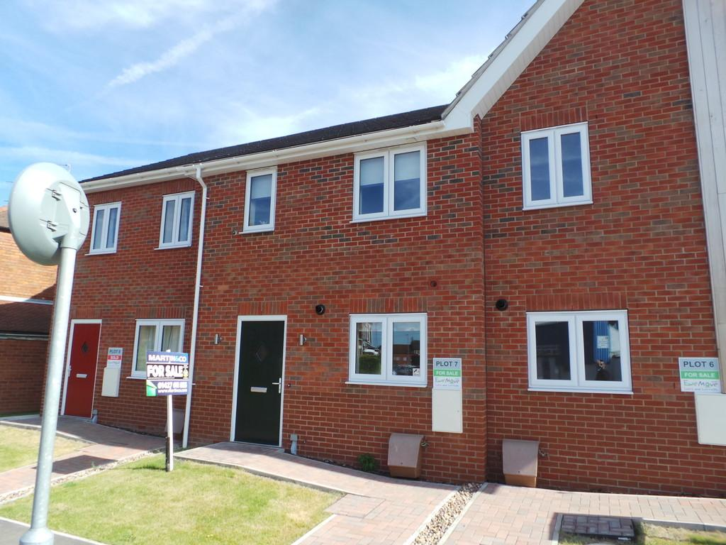 3 Bedrooms Terraced House for sale in Northolme View, Gainsborough