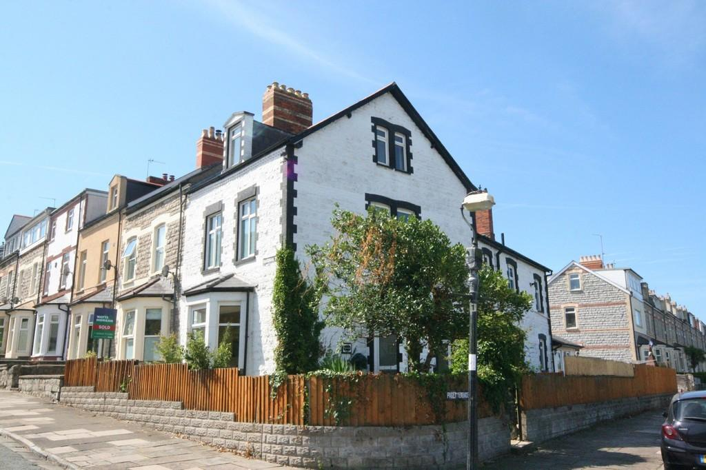 5 Bedrooms End Of Terrace House for sale in Paget Terace, Penarth. Vale of Glamorgan. CF64 1DS