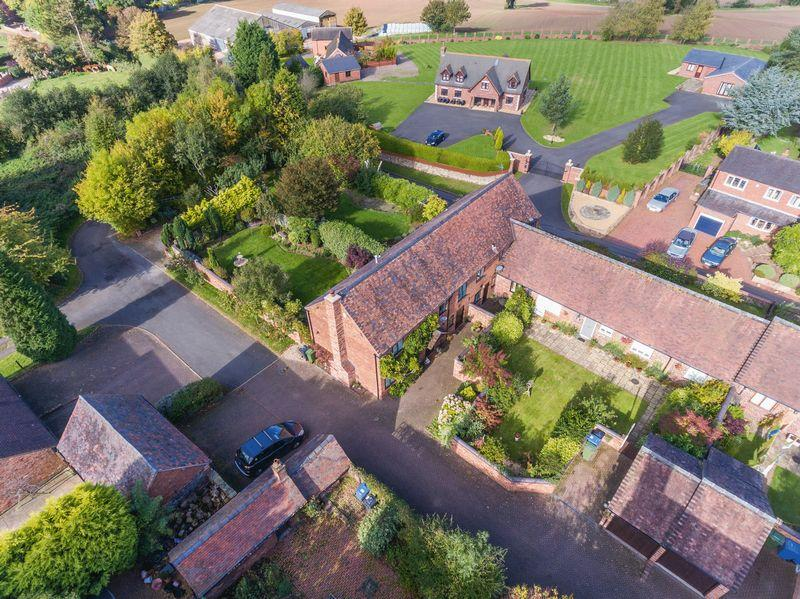 3 Bedrooms House for sale in Orchard View , Manor Court, Springhill Lane, Lower Penn