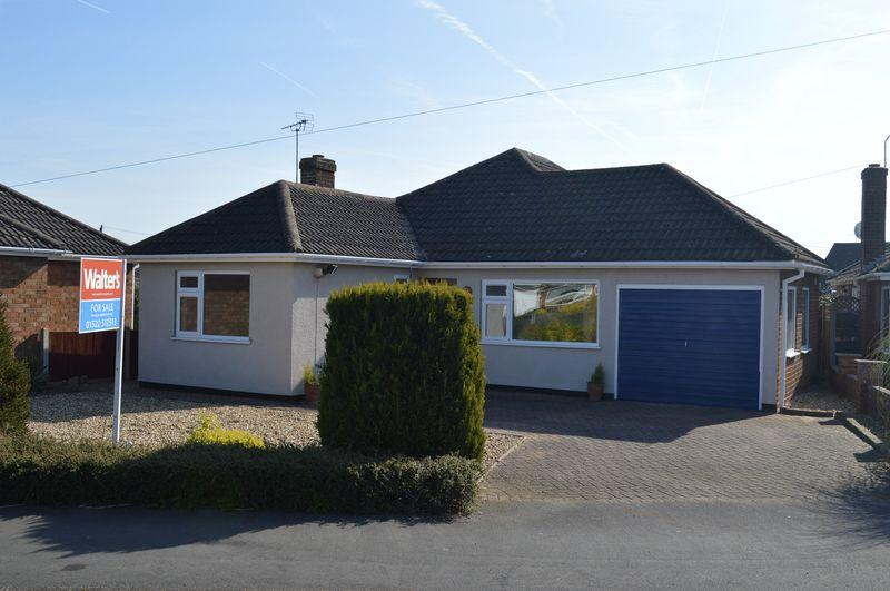 4 Bedrooms Detached Bungalow for sale in Manor Road, NORTH HYKEHAM