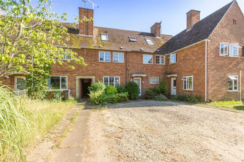 5 Bedrooms Terraced House for sale in Five Bedroom Home in Abingdon
