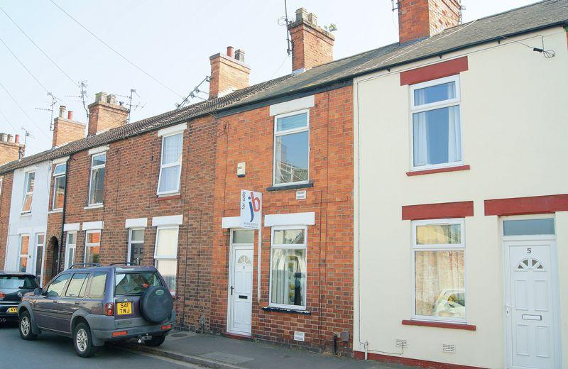 2 Bedrooms Terraced House for sale in Meyrick Road, Newark