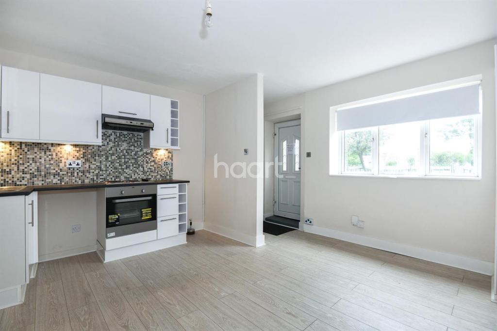Studio Flat for sale in Penge Road, South Norwood, SE25