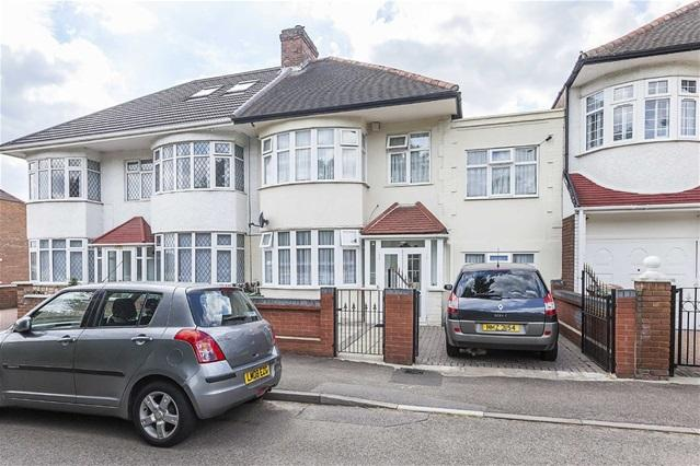 4 Bedrooms House for sale in Forest Rise, Walthamstow