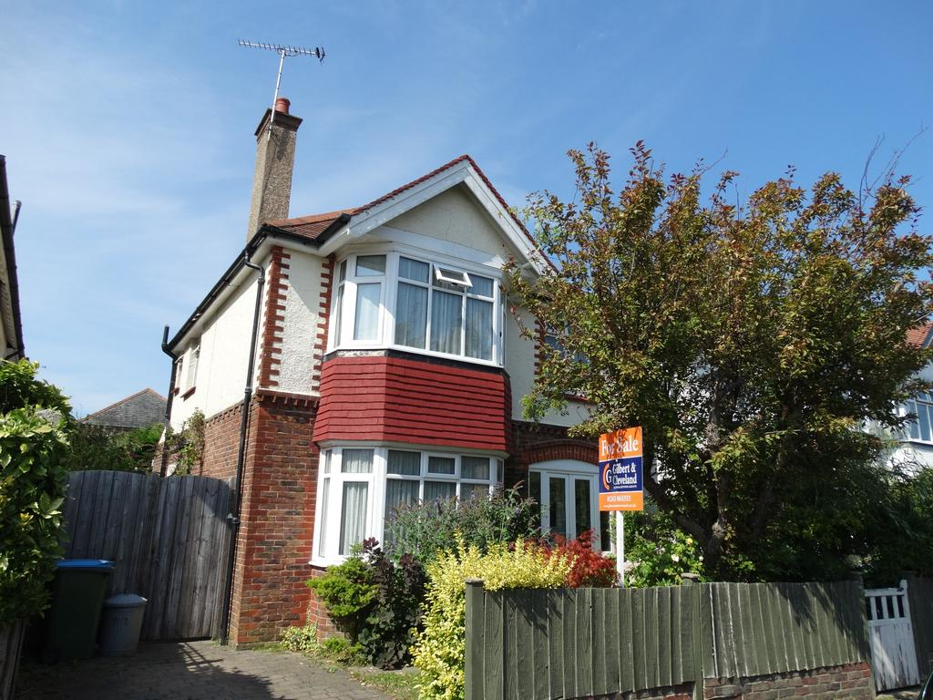 3 Bedrooms Detached House for sale in Havelock Road, Bognor Regis