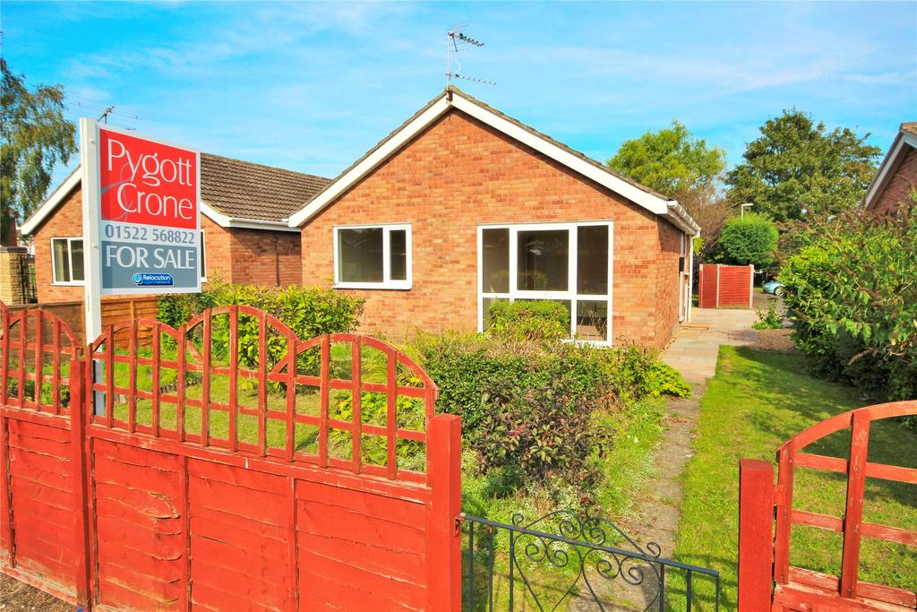 2 Bedrooms Detached Bungalow for sale in Alconbury Close, Doddington Park, LN6