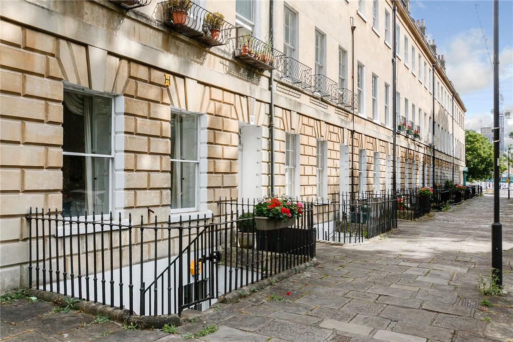 3 Bedrooms Apartment Flat for sale in Green Park, Bath, Somerset, BA1