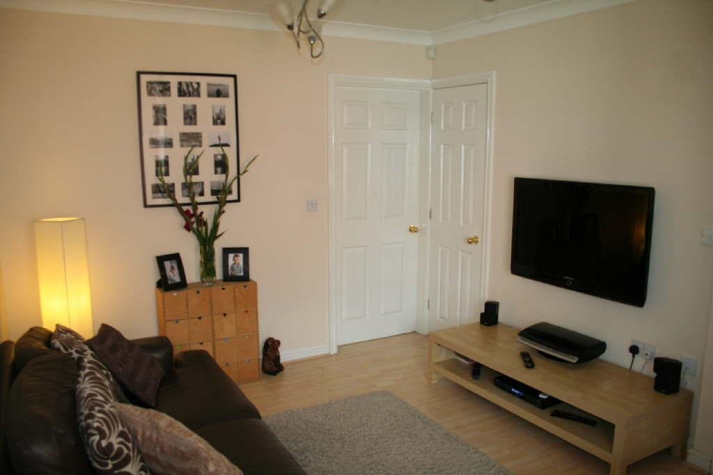 2 Bedrooms Semi Detached House