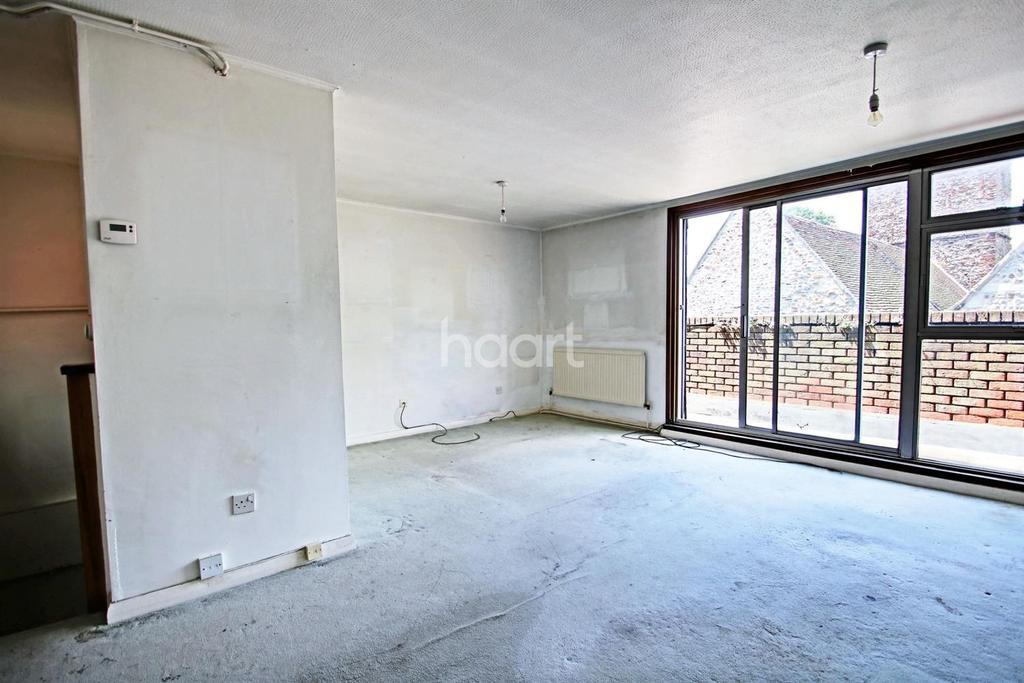 2 Bedrooms Flat for sale in Trinity square, Colchester