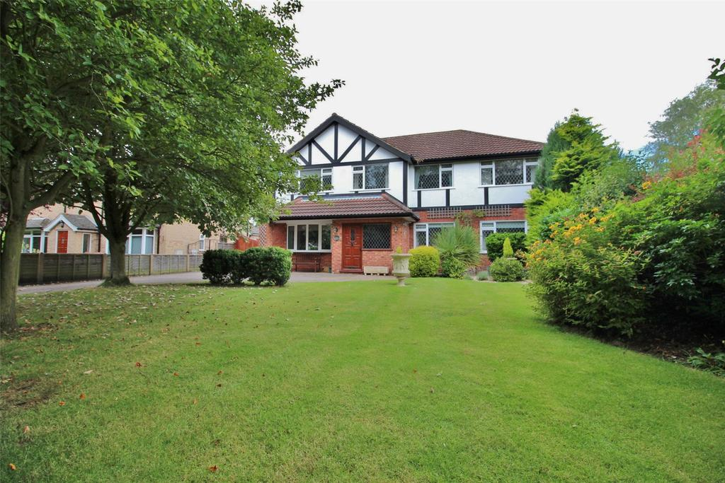 4 Bedrooms Detached House for sale in Grove Lane, Waltham, DN37