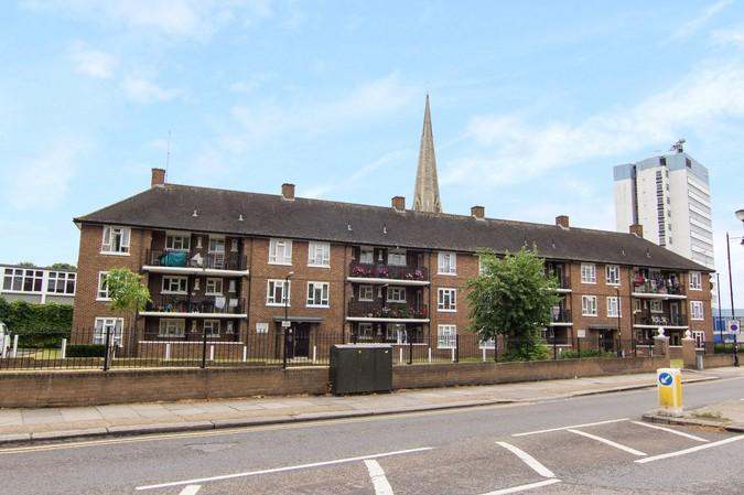 3 Bedrooms Flat for sale in The Mall, Boston Manor Road, Brentford