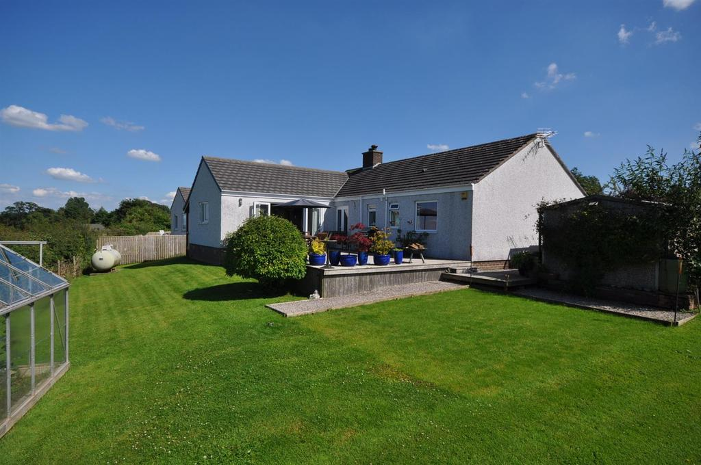 4 Bedrooms Bungalow for sale in Phoenix Park, Skelton, Penrith