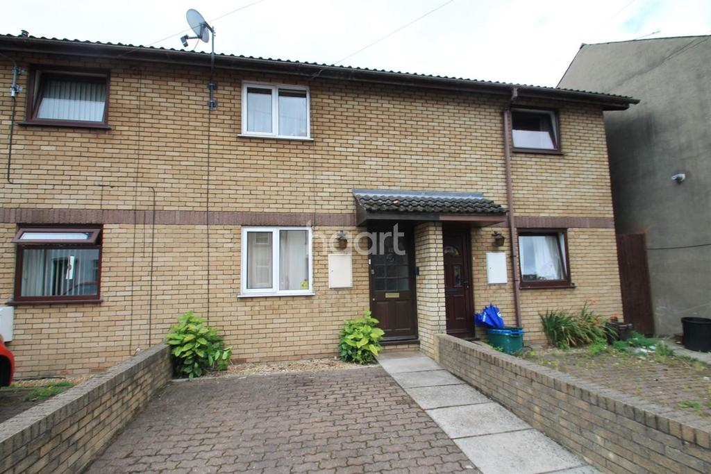 2 Bedrooms Terraced House for sale in Fairoak Mews , maindee, newport