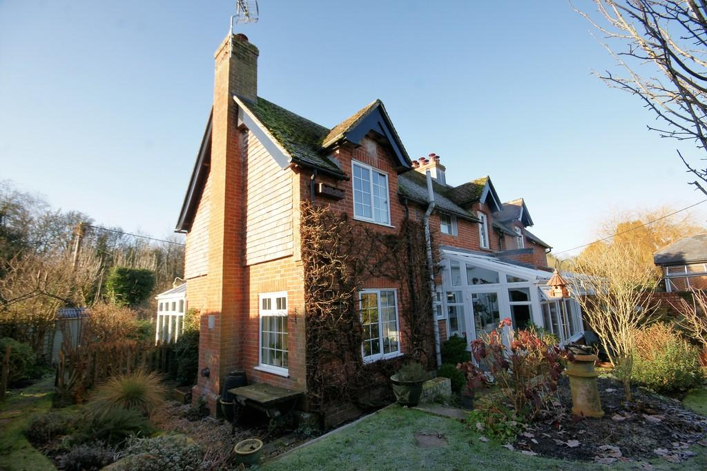 4 Bedrooms Semi Detached House for sale in Fountain Road, SELBORNE, Hampshire