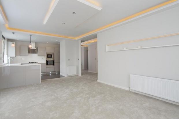 3 Bedrooms Flat for sale in Lavington Lavington, Greville Place, London, NW6
