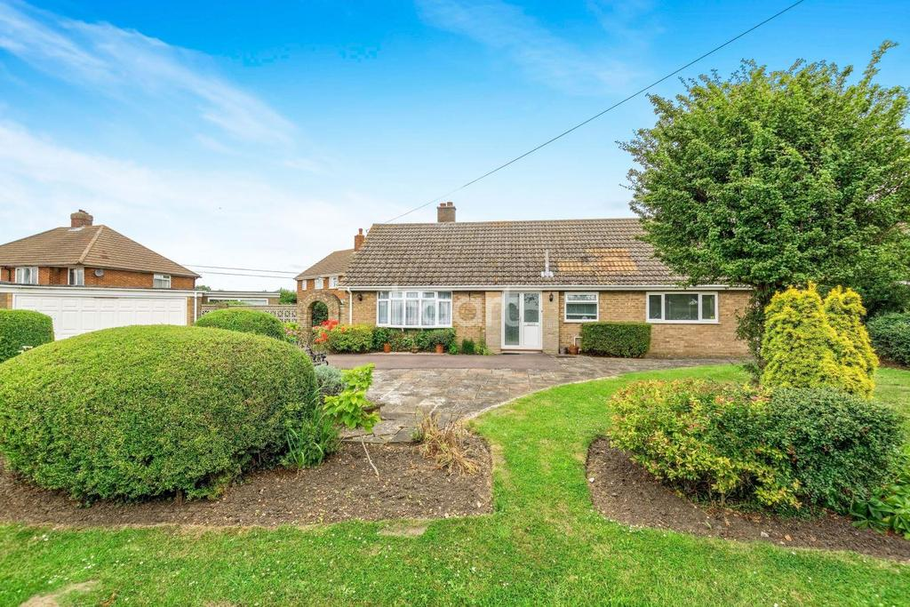3 Bedrooms Bungalow for sale in High Road, Cotton End, MK45