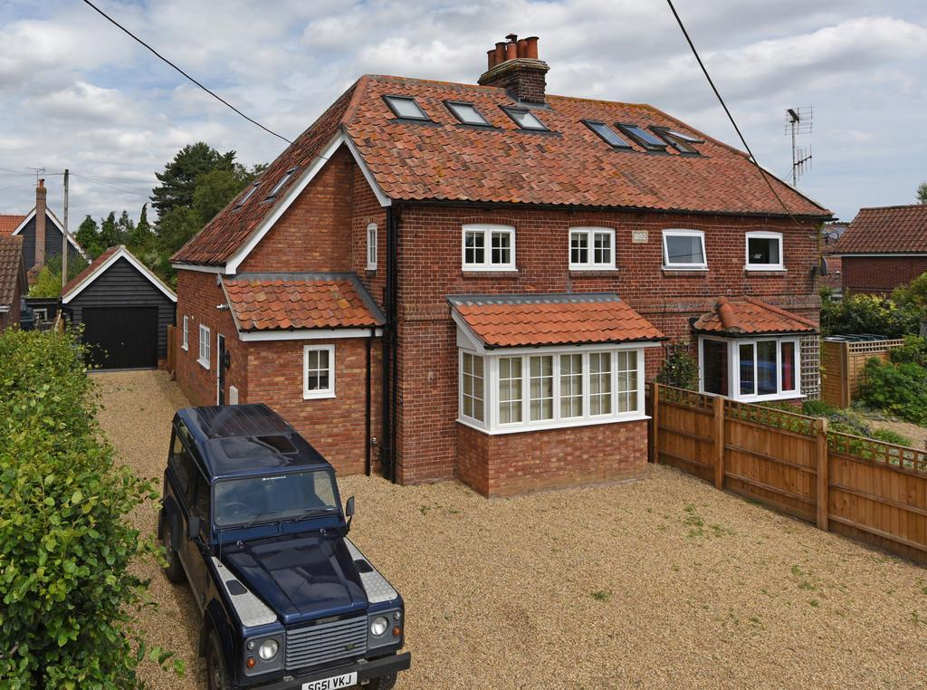 3 Bedrooms Semi Detached House for sale in Snape, Nr Woodbridge, Suffolk