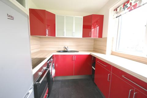 2 bedroom flat to rent - Tweedmouth Court, Gosforth
